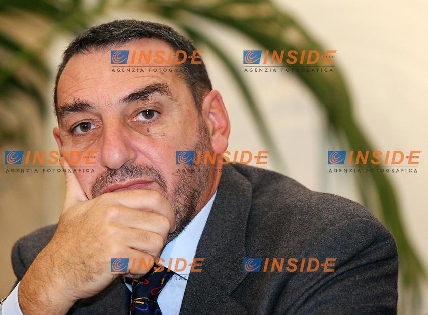 Roma 22-11-2006 AN:Convegno sulla Riforma Ordinamenti  Professionali<br /> Nella foto l'avvocato Giuseppe Valenti<br /> Photo Serena Cremaschi Inside (www.insidefoto.com)