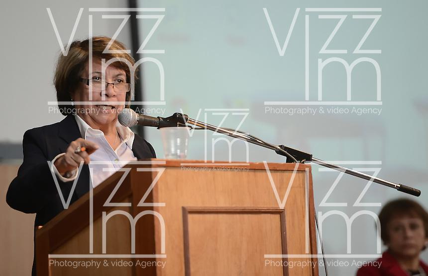 """BOGOTÁ -COLOMBIA. 10-10-2014. Aida Abella, presidenta de la UP, interviene durante el encuentro por la """"Dignidad de las Víctimas del Genocidio contra La UP"""" realizado hoy, 10 de octuber de 2014, en la ciudad de Bogotá./ Aida Abella, president of the UP, in her speech during the meeting for the """"Dignity of Victims of Genocide against The UP"""" took place today, October 10 2014, at Bogota city. Photo: Reiniciar /VizzorImage/ Gabriel Aponte<br /> NO VENTAS / NO PUBLICIDAD / USO EDITORIAL UNICAMENTE / USO OBLIGATORIO DELCREDITO"""