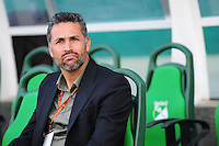 CALI -COLOMBIA, 02-07-2016. Mario Yepes Director técnico del Deportivo Cali durante el encuentro contra   el Cortuluá  por la fecha 1 de la Liga Aguila II 2016 disputado en el estadio del Deportivo Cali en Palmaseca./ Mario Yepes coach  of Deportivo Cali during match  against of Cortulua during match for the date 1 of the Aguila League II 2016 played at Deportivo Cali  stadium in Palmaseca. Photo:VizzorImage / Nelson Rios  / Cont