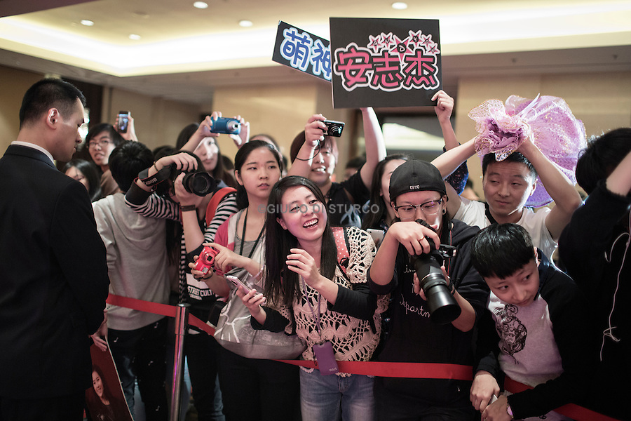 "Younge fans on the red Carpet for the Premiere of a big US/China coproduction movie, ""Outcast"" feauturing Nicholas Cage, September 2014"
