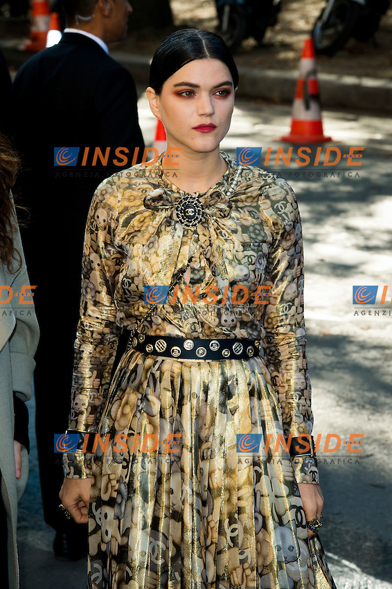 Stephanie Sokolinski / Soko Chanel s fashion show arrivals - Paris - 04/10/2016 <br /> Foto Panoramic / Insidefoto
