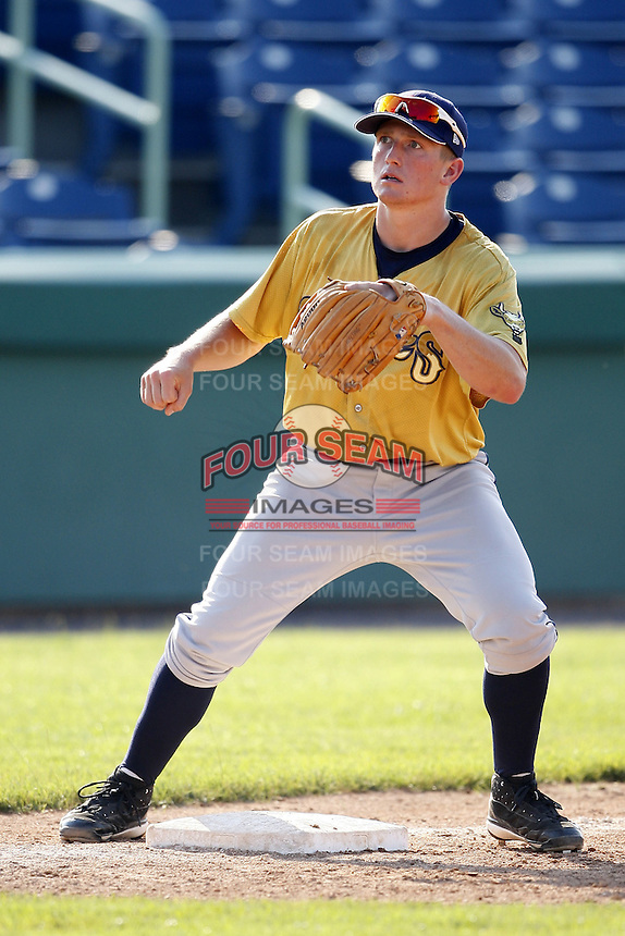 June 24, 2009:  Outfielder Pat Irvine of the State College Spikes during a game at Eastwood Field in Niles, OH.  The Spikes are the NY-Penn League Short-Season A affiliate of the Pittsburgh Pirates.  Photo by:  Mike Janes/Four Seam Images