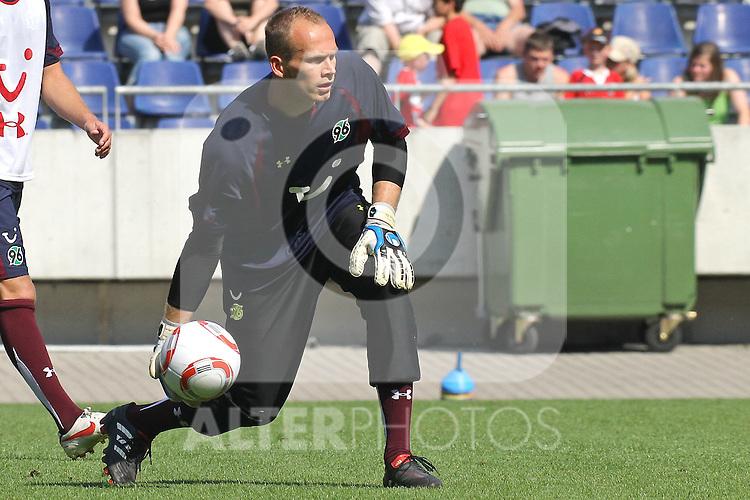 29.06.2010, AWD Arena, GER, Hannover, Training Hannover 96 im Bild . TW Markus Miller. Foto © nph / Rust