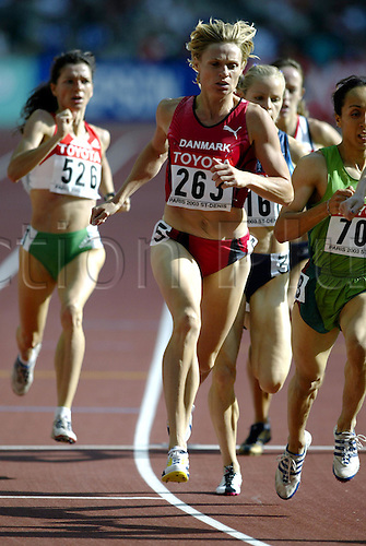 August 23, 2003: Distance runner, 263. HEIDI JENSEN (DEN), during the Women's 800m Heats. World Athletics Championships held at the Stade de France, Paris. Photo: Neil Tingle/action plus...athlete 030823 track and field run runs running runners woman women metres