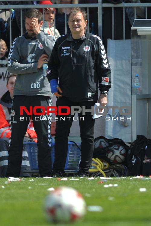 03.05.2015,  Millerntor-Stadion, Hamburg, GER, 2. FBL, 1.FC St.Pauli  vs Leipzig, im Bild Trainer Ewald Lienen (Hamburg)// Foto © nordphoto / Witke