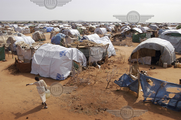 Tents in the Dereig camp for internally displaced persons (IDPs), which houses over 70,000 people. The residents of the camp fled their homes after being attacked by Janjaweed militias.