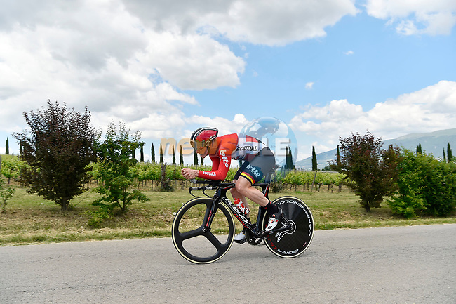 Andre Greipel (GER) Lotto-Soudal in action during Stage 10 the Sagrantino Stage of the 100th edition of the Giro d'Italia 2017, an individual time trial running 39.8km from Foligno to Montefalco, Italy. 16th May 2017.<br /> Picture: LaPresse/Fabio Ferrari | Cyclefile<br /> <br /> <br /> All photos usage must carry mandatory copyright credit (&copy; Cyclefile | LaPresse/Fabio Ferrari)