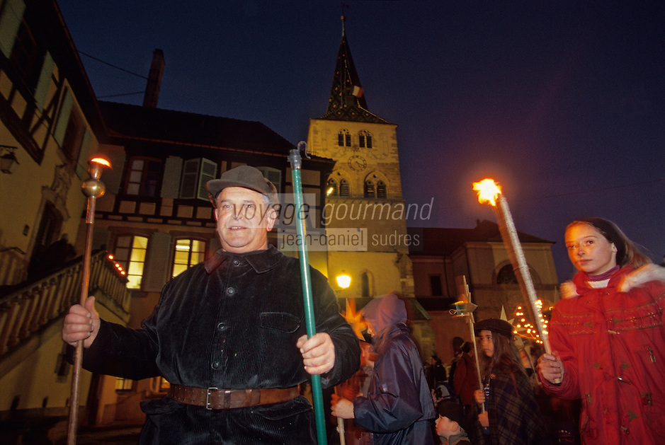 Europe/France/Alsace/68/Haut-Rhin/Turkheim: La procession des enfants lors de l'ouverture du calendrier de l'avent