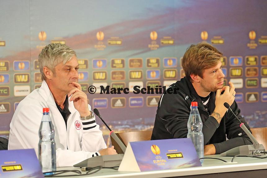 Trainer Armin Veh und Marco Russ (Eintracht) - Eintracht Frankfurt Europa League Pressekonferenz