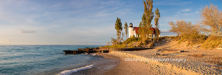 64795-01406 Point Betsie Lighthouse on Lake Michigan, Benzie County, Frankfort, MI