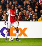 Nederland, Amsterdam, 5 november 2015<br /> Europa League<br /> Seizoen 2015-2016<br /> Ajax-Fenerbahce (0-0)<br /> Riechedly Bazoer van Ajax in actie met bal
