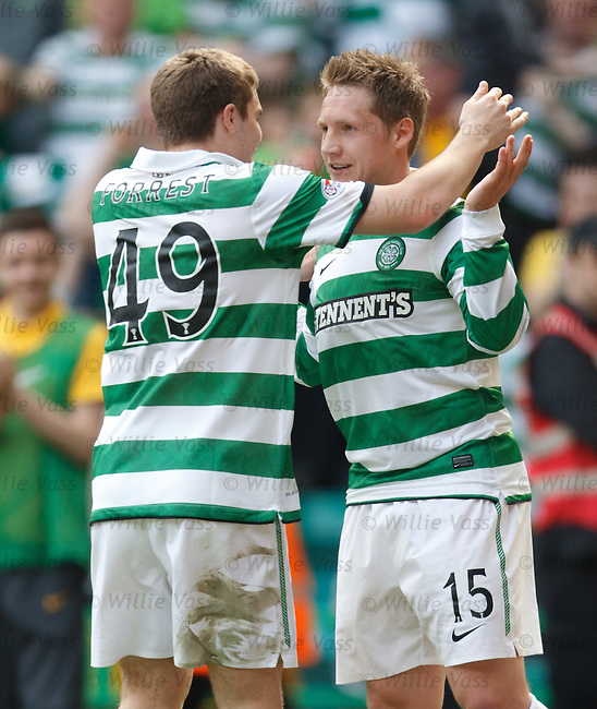 Kris Commons celebrates with James Forrest