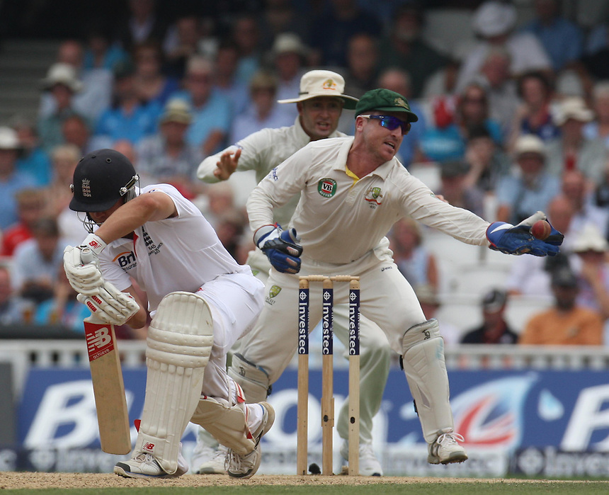 England's Jonathan Trott  and Australia's Brad Haddin (wicket-keeper)   in action <br /> photo by Kieran Galvin / Camerasport<br /> International Cricket - Fifth Investec Ashes Test Match - England v Australia - Day 3 - Thursday 23rd August 2013 - The Kia Oval - London<br /> <br /> &copy; CameraSport - 43 Linden Ave. Countesthorpe. Leicester. England. LE8 5PG - Tel: +44 (0) 116 277 4147 - admin@camerasport.com - www.camerasport.com