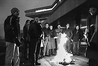 - gli operai della fabbrica di automobili Alfa Romeo di Arese (Milano) presidiano lo stabilimento in protesta contro i sabati lavorativi (1989)....- the workers of the Alfa Romeo car factory in Arese (Milan) oversee the plant in protest against working on Saturdays (1989)