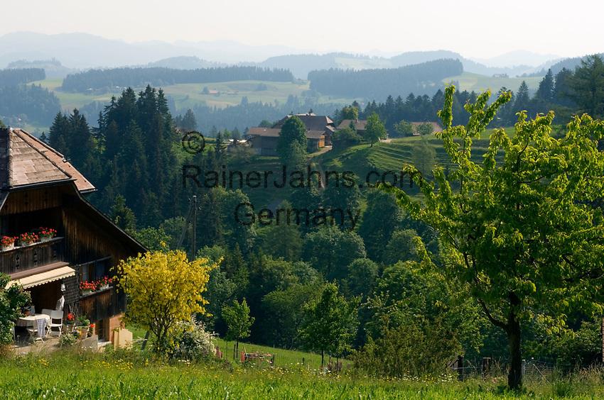 CHE, SCHWEIZ, Kanton Bern, Emmental: Landschaft bei Signau   CHE, Switzerland, Bern Canton, Valley Emmental: landscape near Signau