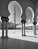 Abu Dhabi Mosque black and white shot of the courtyard
