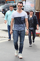 Kevin Jonas Has Lunch at Kings Road Cafe on September 5, 2012, Los Angeles /NortePhoto.com<br /> <br /> **CREDITO*OBLIGATORIO** <br /> *No*Venta*A*Terceros*<br /> *No*Sale*So*third*<br /> *** No*Se*Permite*Hacer*Archivo**<br /> *No*Sale*So*third*