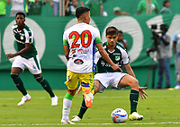 PALMASECA-COLOMBIA,28 -07-2018.Matias Cabrera (Der.) del Deportivo Cali disputa el balón con Ronaldo Tavera (Izq.) del Atlético Huila durante partido por la fecha 2 de la Liga Águila II 2018 jugado en el estadio Deportivo Cali de la ciudad de Palmira./ Matias Cabrera(R) player of Deportivo Cali  fights for the ball with Ronaldo Tavera (L) of Atletico Huila during the match for the date 2 of the Aguila League II 2018 played at Deportivo Cai  stadium in Palmaseca city. Photo: VizzorImage/ Nelson Rios / Contribuidor