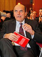 NAPOLI   INCONTRO ELETTORALE DEL PARTITO DEMOCRATICO IN CAMPANIA..NELLA FOTO PIERLUIGI BERSANI.FOTO CIRO DE LUCA