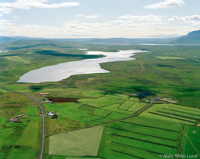 Röðull, Sauðanes og Laxárvatnsvirkjun séð til suðausturs, Húnavatnshreppur áður Torfalækjarhreppur / Rodull and Saudanes farms and Laxarvatn hydroelectric power plant, viewing southeast, Hunavatnshreppur former Torfalaekjarhreppur.