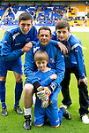 St Johnstone v Man Utd XI....31.07.10  Alan Main Testimonial.Alan Main pictured with his sons, Nicholas (left), Josh (right) and Kristofer (front).Picture by Graeme Hart..Copyright Perthshire Picture Agency.Tel: 01738 623350  Mobile: 07990 594431