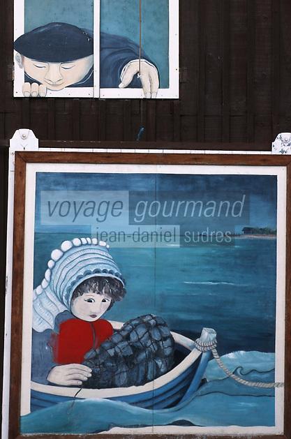 """Europe/France/Aquitaine/33/Gironde/Bassin d'Arcachon/Gujan-Mestras: Détail déco de la facade d'un restaurant de la route de l'huitre """"les Viviers """" au Port Larros"""