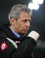 FUSSBALL   1. BUNDESLIGA   SAISON 2011/2012    17. SPIELTAG Borussia Moenchengladbach - FSV Mainz 05             18.12.2011 Trainer Lucien Favre (Borussia Moenchengladbach) mit verbundener Hand