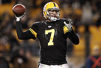 PITTSBURGH, PA - DECEMBER 08:  Ben Roethlisberger #7 of the Pittsburgh Steelers throws a pass against the Cleveland Browns during the game on December 8, 2011 at Heinz Field in Pittsburgh, Pennsylvania.  (Photo by Jared Wickerham/Getty Images)