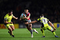 Marcus Smith of Harlequins goes on the attack. Aviva Premiership match, between Harlequins and Sale Sharks on October 6, 2017 at the Twickenham Stoop in London, England. Photo by: Patrick Khachfe / JMP