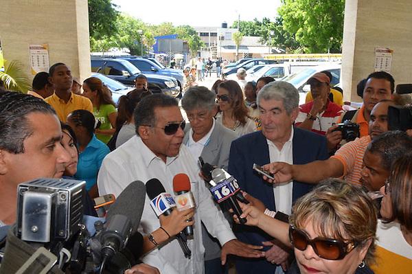 Junta Electoral del Distrito Nacional, entrega acreditaciones a observadores de Participación Ciudadana.Foto:Carmen Suárez/acento.com.do.Fecha:04/05/2012.