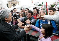 Massiimo D'Alema alla manifestazione nazionale del Partito Democratico in Piazza San Giovanni, Roma, 5 novembre 2011. .Italian center-left Democratic Party's member Massimo D'Alema greets sympathizers at the party's demonstration in Rome, 5 november 2011..UPDATE IMAGES PRESS/Riccardo De Luca