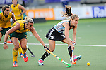 The Hague, Netherlands, June 01: Daniela Sruoga #18 of Argentina covers the ball against Tarryn Bright #29 of South Africa during the field hockey group match (Women - Group B) between Argentina and South Africa on June 1, 2014 during the World Cup 2014 at Kyocera Stadium in The Hague, Netherlands. Final score 4:1 (2:0) (Photo by Dirk Markgraf / www.265-images.com) *** Local caption ***