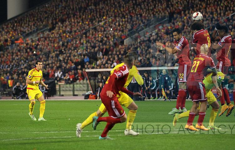 Wales' Gareth Bale fires in a freekick<br /> <br /> - European Qualifier - Belgium vs Wales- Heysel Stadium - Brussels - Belgium - 16th November 2014  - Picture David Klein/Sportimage
