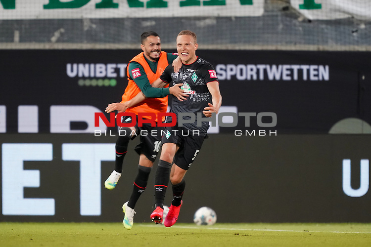 Jubel Ludwig Augustinsson (Werder Bremen #05) nach dem 1:2 mit Leonardo Bittencourt  (Werder Bremen #10)<br /> <br /> <br /> Sport: nphgm001: Fussball: 1. Bundesliga: Saison 19/20: Relegation 02; 1.FC Heidenheim vs SV Werder Bremen - 06.07.2020<br /> <br /> Foto: gumzmedia/nordphoto/POOL <br /> <br /> DFL regulations prohibit any use of photographs as image sequences and/or quasi-video.<br /> EDITORIAL USE ONLY<br /> National and international News-Agencies OUT.