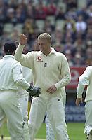 31/05/2002.Sport -Cricket - 2nd NPower Test -Second Day.England vs Sri Lanka. Freddie FLINTOFF [Mandatory Credit Peter Spurrier:Intersport Images]