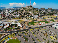Paisaje urbano, paisaje de la ciudad de Hermosillo, Sonora, Mexico.  Synthetic grass fields, softball, big league dreams. Cerro de la Campana. <br /> campos de pasto sintetico, softboll,  big league dreams.<br /> Urban landscape, landscape of the city of Hermosillo, Sonora, Mexico.<br /> (Photo: Luis Gutierrez /NortePhoto)