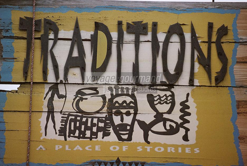 Iles Bahamas / New Providence et Paradise Island / Nassau: enseigne boutique d'art populaire bahamien sur Bay Street
