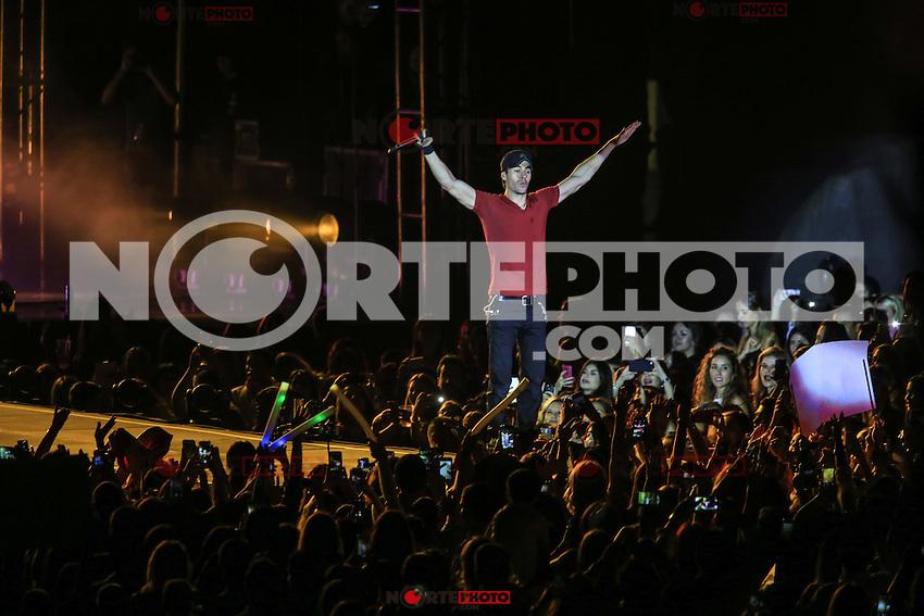 The Spanish singer Enrique Iglesias, during the night of his concert at Expo Forum, as part of their sex and love touring Mexico.<br /> &copy; Photo: LuisGutierrez / NORTEPHOTO.COM<br /> <br /> El cantante espa&ntilde;ol, Enrique Iglesias, durante la noche de su concierto en Expo Forum, como parte de su gira Sex and Love por Mexico. <br /> &copy;Foto: LuisGutierrez/NORTEPHOTO.COM