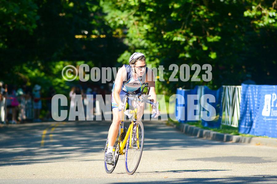 PHILADELPHIA, PA - JUNE 24: Athletes participate in the 2012 Philadelphia Triathlon June 24, 2012 in Philadelphia, Pennsylvania at the Philadelphia Triathlon. (Photo by William Thomas Cain/Cain Images for The Philadelphia Triathlon)