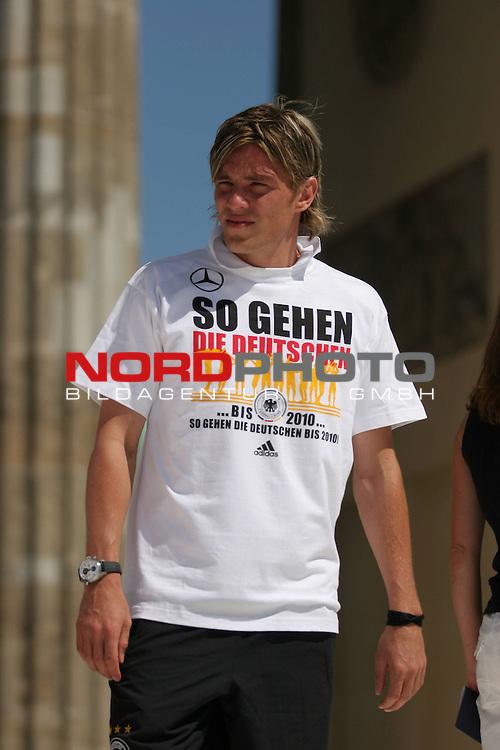 UEFA Euro 2008 Fan Meile Berlin - Empfang der Deutschen Mannschaft am Brandenburger Tor <br /> <br /> Clemens Fritz ( Germany / Mittelfeldspieler / Midfielder /  Werder Bremen #4) <br /> <br /> Foto &copy; nph (  nordphoto  )<br /> <br /> <br /> <br />  *** Local Caption ***