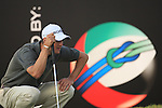Martin Kaymer eyeing up his putt on  the 18th green during the second round of the Dubai World Championship on the Earth Course at the Jumeirah Golf Estate, Dubai..Picture Fran Caffrey/www.golffile.ie.