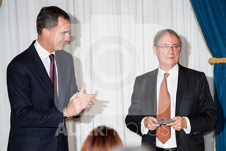 "King Felipe VI of Spain and journalist Felix Arzua attend the delivery of the XXXII edition of the journalism award "" Francisco Cerecedo "" D. Felix Arzua at Ritz Hotel in Madrid, November 25, 2015<br /> (ALTERPHOTOS/BorjaB.Hojas)"