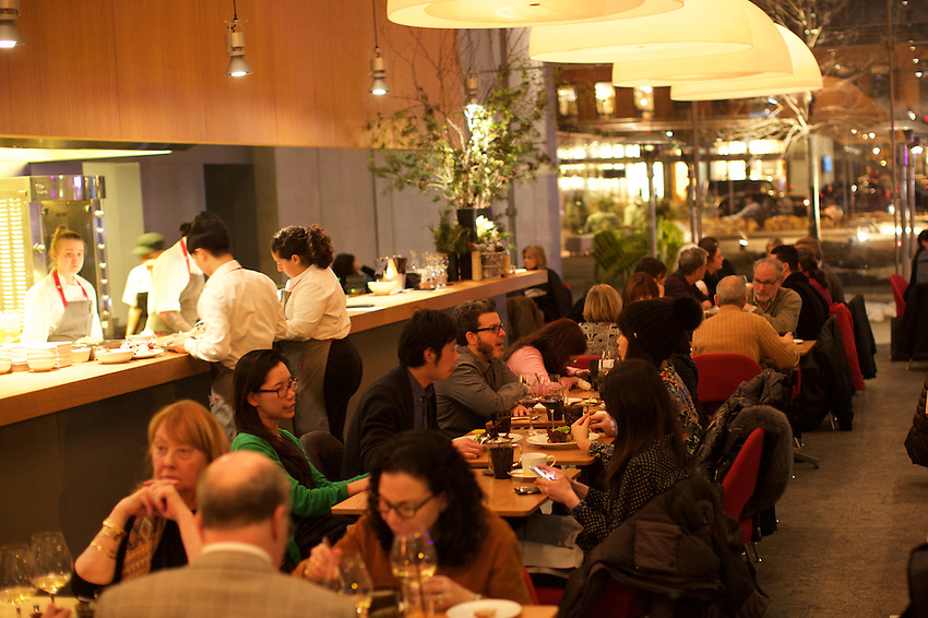 New York, NY - JANUARY 29, 2016: The Friday night dinner crowd at Untitled at the Whitney Museum of Art in the Meatpacking District.<br /> <br /> CREDIT: Clay Williams for Edible Manhattan.<br /> <br /> &copy; Clay Williams / claywilliamsphoto.com