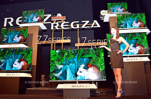 September 27, 2012, Tokyo, Japan - Model presents new Japanese TV models, the Z7 series and J7 series at the Sibuya Hikarie in Tokyo, on Thursday, September 27, 2012. Masahiko Fukakushi, President and CEO of Toshiba's Digital. Corp. introduced new Japanese TV models, the Z7 series and J7 series, a large-screen 84-inch Quad Full HD(4K) resolution TV, brand new Windows 8 Ultrabook, and  new cloud services. (Photo by Tomoyuki Kaya/AFLO)