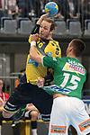 Rhein Neckar L&ouml;we Kim Ekdahl du Rietz gegen G&ouml;ppingens Zarko Sesum (Nr.15) beim Spiel in der Handball Bundesliga, Rhein Neckar Loewen - FRISCH AUF! Goeppingen.<br /> <br /> Foto &copy; PIX-Sportfotos *** Foto ist honorarpflichtig! *** Auf Anfrage in hoeherer Qualitaet/Aufloesung. Belegexemplar erbeten. Veroeffentlichung ausschliesslich fuer journalistisch-publizistische Zwecke. For editorial use only.