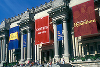 AJ1282, New York City, Metropolitan Museum, New York, N.Y.C., NYC, Entrance to the Metropolitan Museum of Art in Midtown Manhattan in New York City, New York.