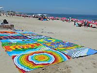 ATENÇAO EDITOR  FOTO EMBARGADA PARA VEICULOS INTERNACIONAIS.  RIO DE JANEIRO,RJ 21 DE OUTUBRO 2012 - CLIMA TEMPO -  Movimentação na praia de Ipanema zona sul da cidade fluminense, com praia lotada e um calor de 37 graus na tarde deste domingo 21 de outubro.<br /> FOTO RONALDO BRANDAO / BRAZIL PHOTO PRESS