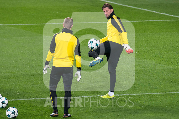 Borussia Dortmund Roman Burki during training session day before UEFA Champions League match between Real Madrid and Borussia Dortmund at Santiago Bernabeu Stadium in Madrid, Spain. December 05, 2017. (ALTERPHOTOS/Borja B.Hojas)