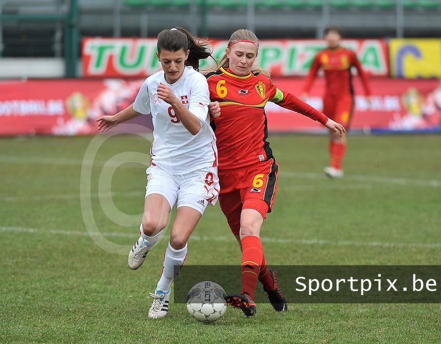 Belgium U19 - Switzerland U19 : Julie Biesmans (6) with the tackle before Swiss Florijana Ismaili (9).foto DAVID CATRY / Nikonpro.be