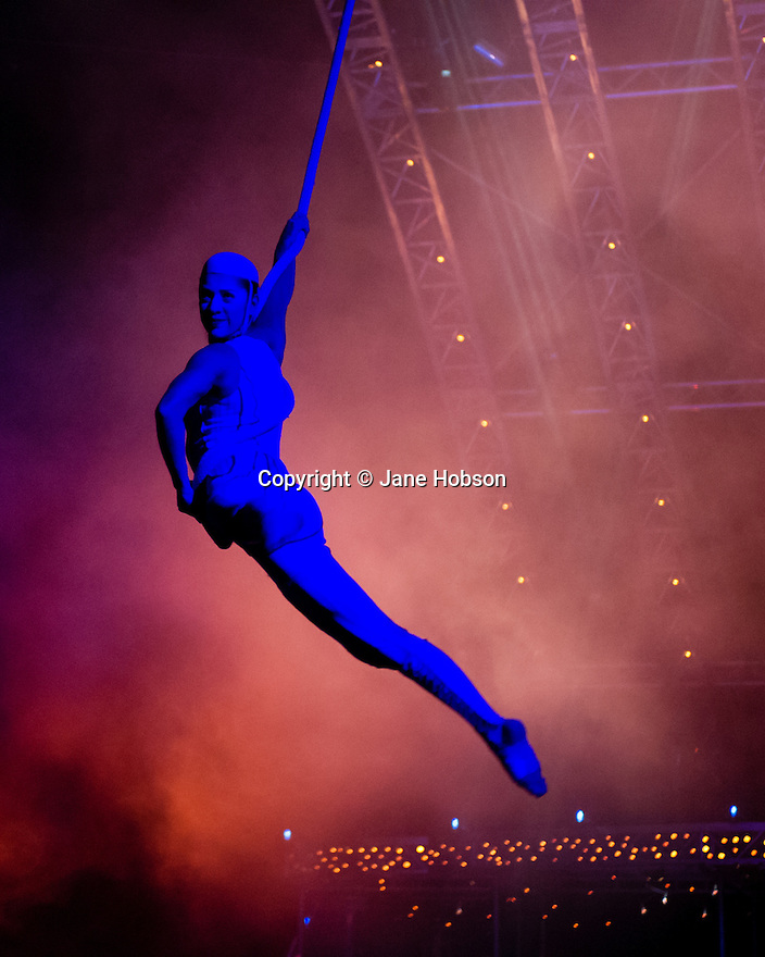 London, UK. 04.01.2014. Cirque du Soleil present QUIDAM at the Royal Albert Hall. Artists on the Spanish Web are: Mei-Mei Bouchard, Guilherme Fortes, Viktor Katona, Grace Moura and Carol Valim. © Jane Hobson.